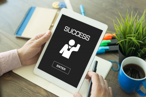 Success-Tablet_AdobeStock_143395064