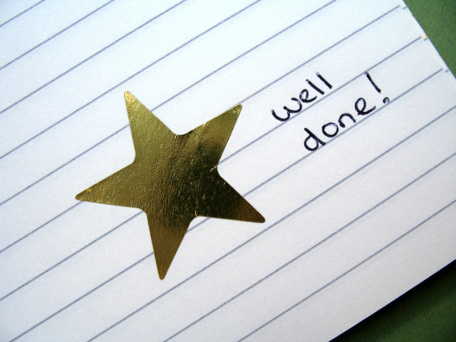 Well-done-Gold-Star_Fotolia_830293_M